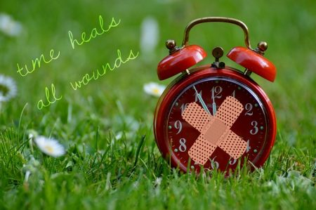 time-heals-all-wounds-1087107_640
