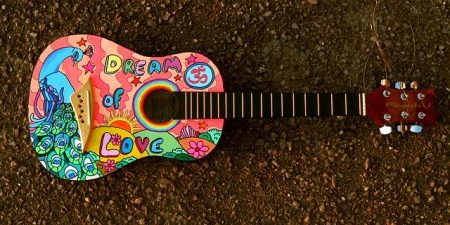 painted-guitar-1087209_640 (1)